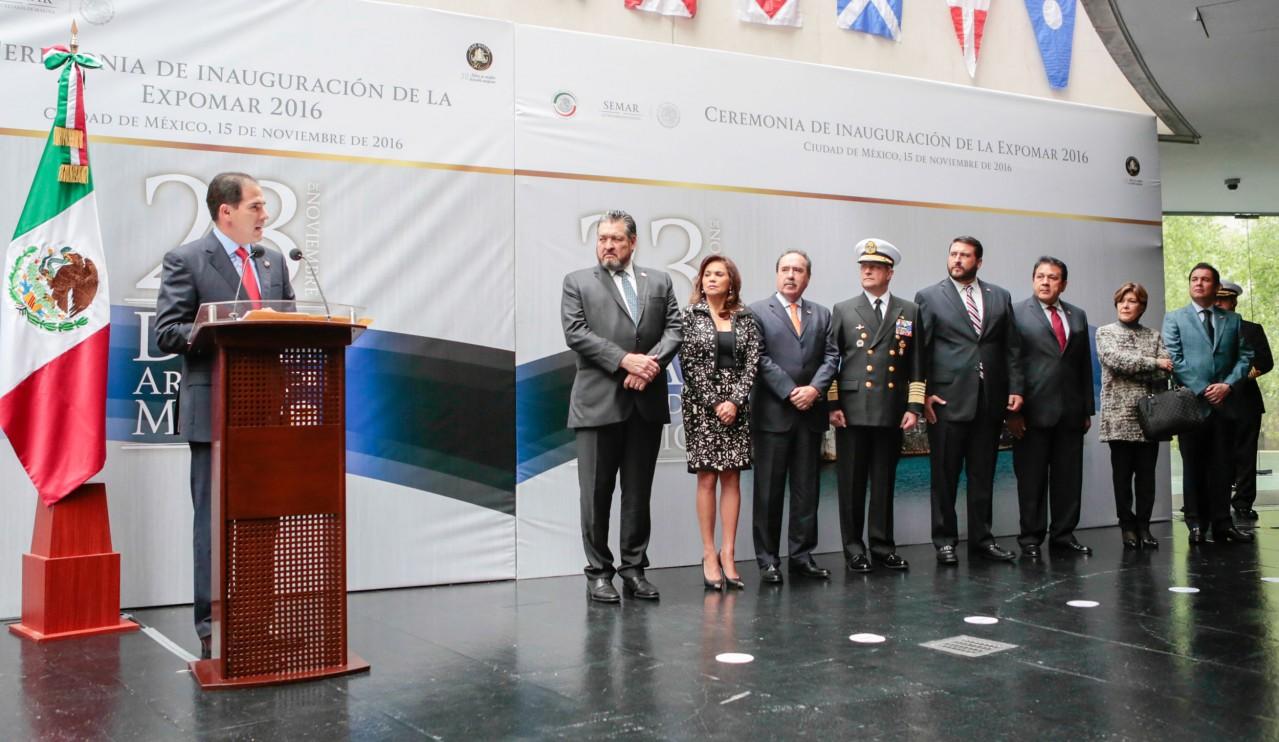 Cambiar marco jurídico de la Marina, compromiso del Senado: Pablo ...